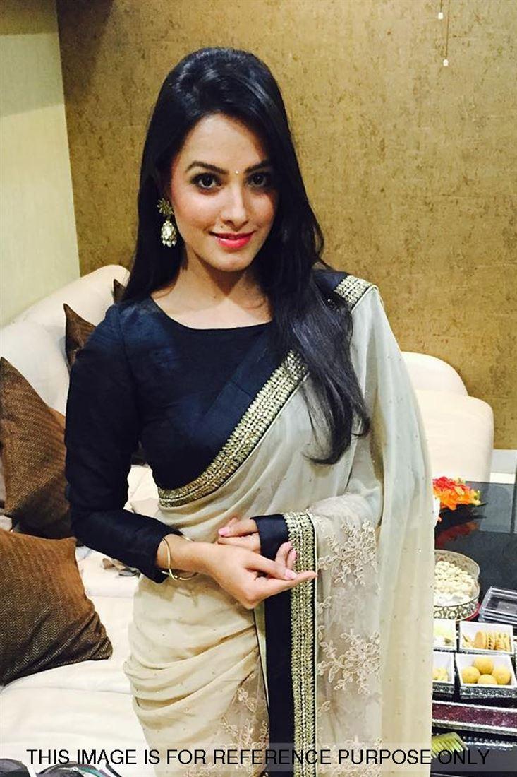 Anita Hassanandani Shagun Yeh Hain Mohabbatein Inspired Full Sleeves Velvet Blouse