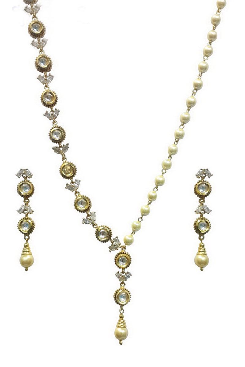 Best Selling Fancy Imitation Off White Traditional Necklace Set