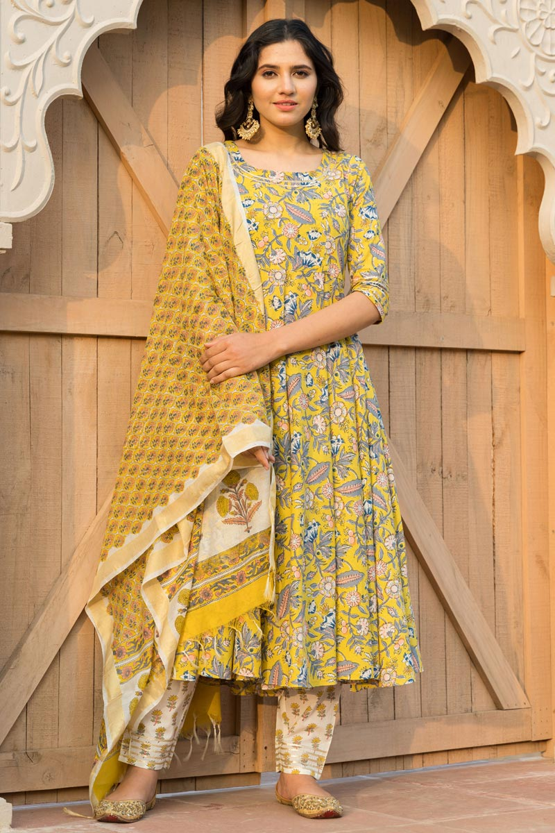 Exclusive Yellow Color Kurta Set With Dupatta In Cotton Fabric