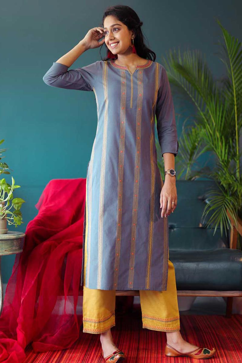 Exclusive Casual Wear Cotton Fabric Kurti With Bottom In Blue Color