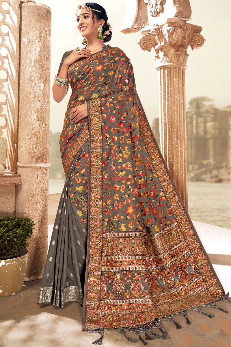 Grey Color Silk Fabric Saree For Mehendi Ceremony