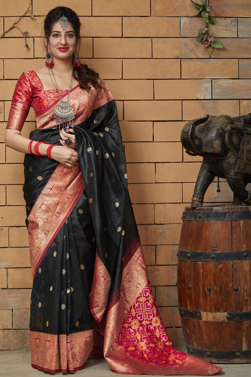 Art Silk Fabric Sangeet Wear Black Color Elegant Weaving Work Saree