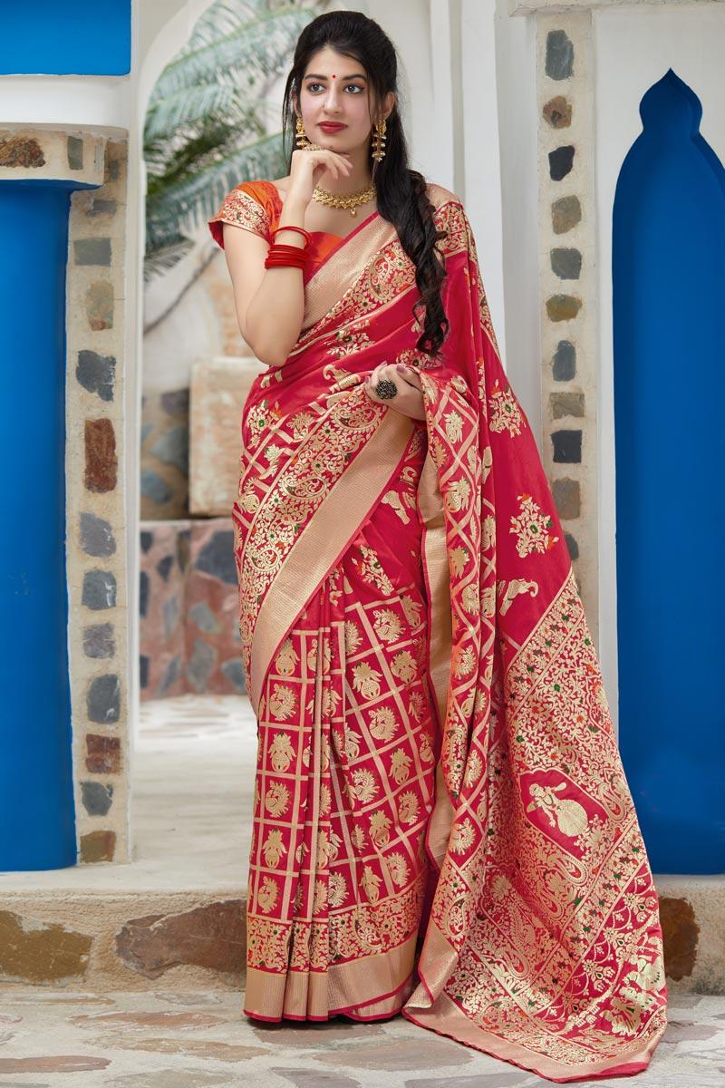 Elegant Art Silk Fabric Wedding Function Wear Red Color Weaving Work Saree