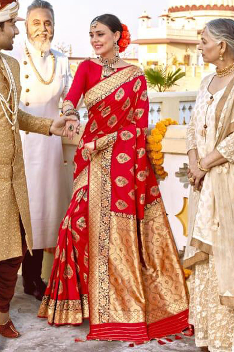 Red Color Silk Fabric Function Wear Saree With Weaving Work
