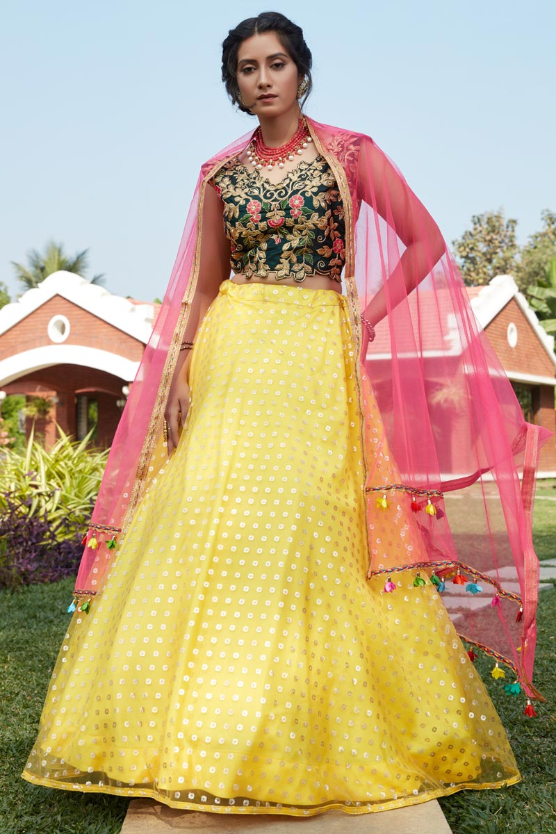 Yellow Color Net Fabric Wedding Wear Lehenga
