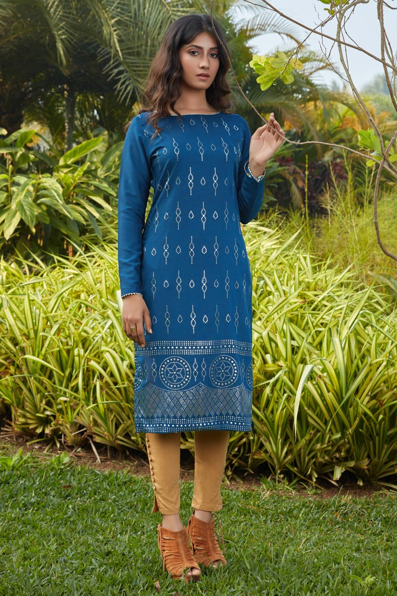 Casual Wear Blue Color Cotton Fabric Kurti