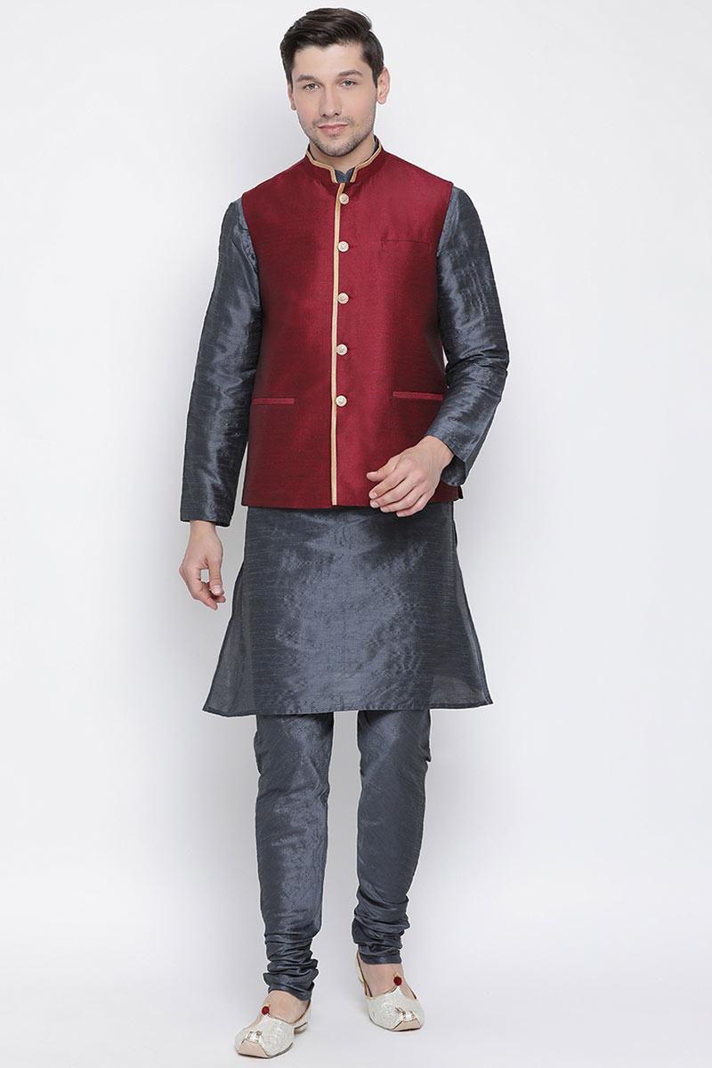 Black Festive Wear Mens Kurta Set With Jacket In Cotton Silk Fabric