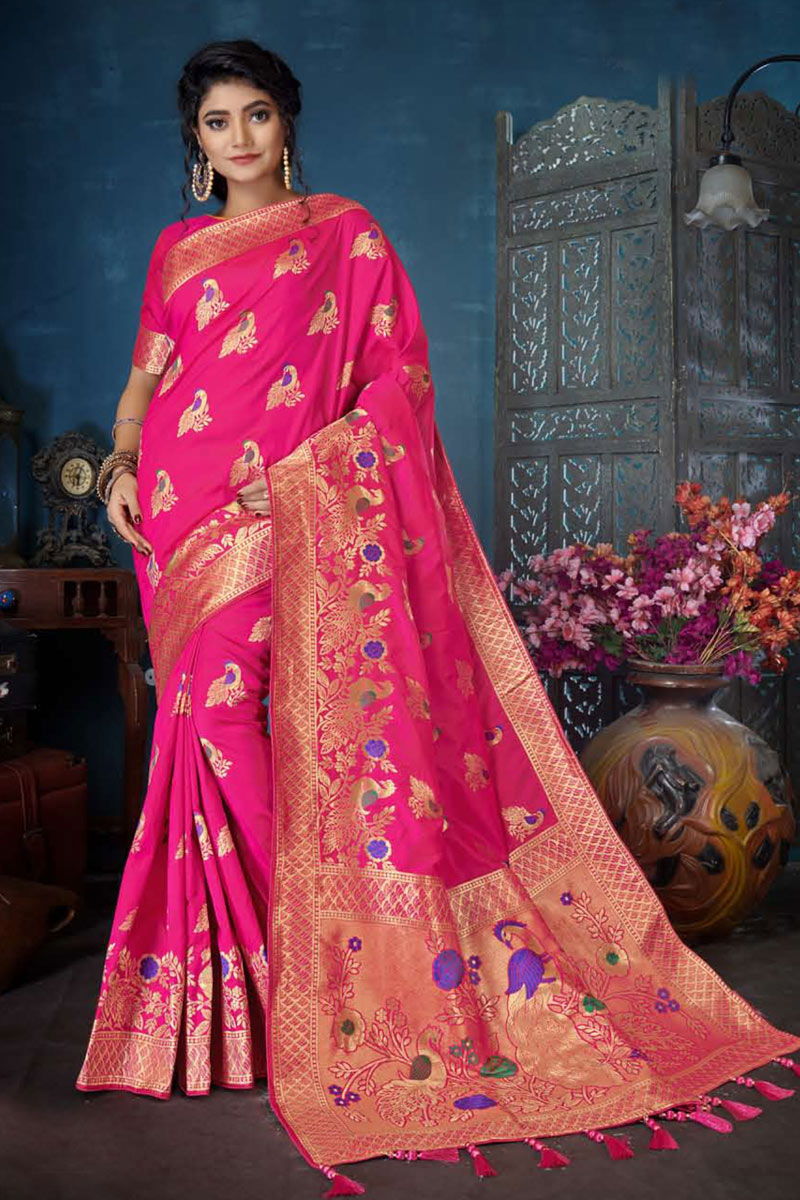 Weaving Work On Reception Wear Saree In Banarasi Silk Fabric Rani Color With Charming Blouse