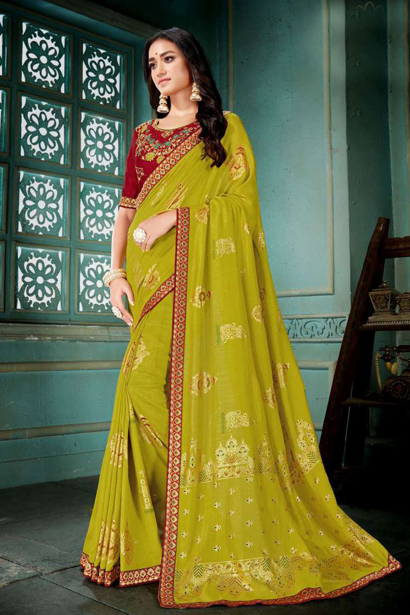 Art Silk Fabric Embroidery Designs On Green Reception Wear Saree With Attractive Blouse