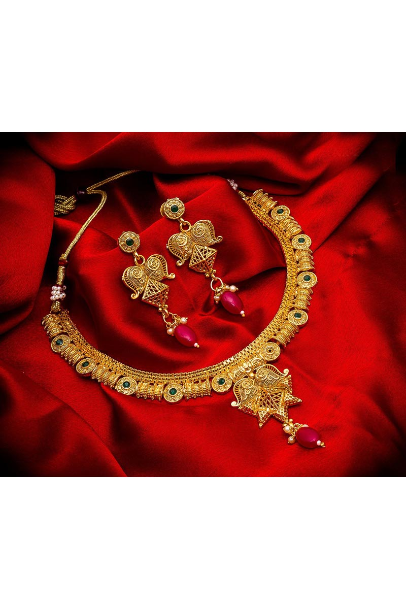 Stylish Golden Color Traditional Wear Alloy Metal Necklace Set