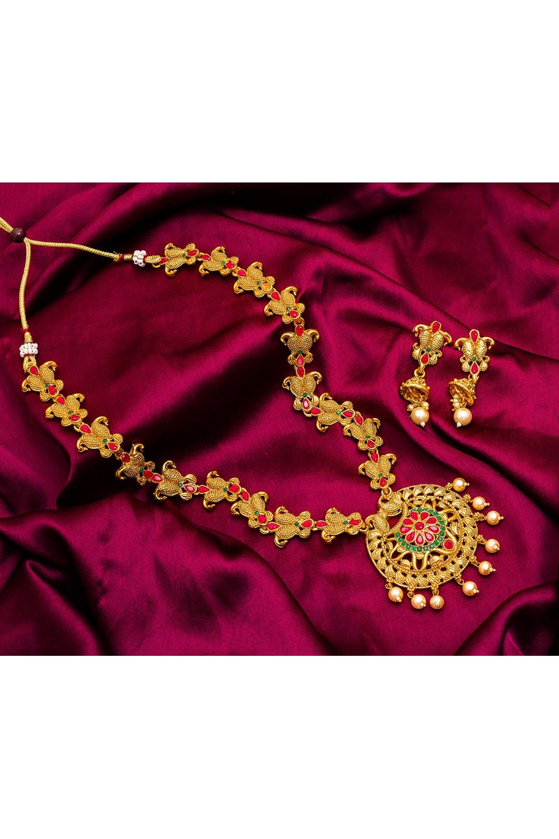 Stylish Traditional Wear Golden Color Alloy Metal Necklace Set