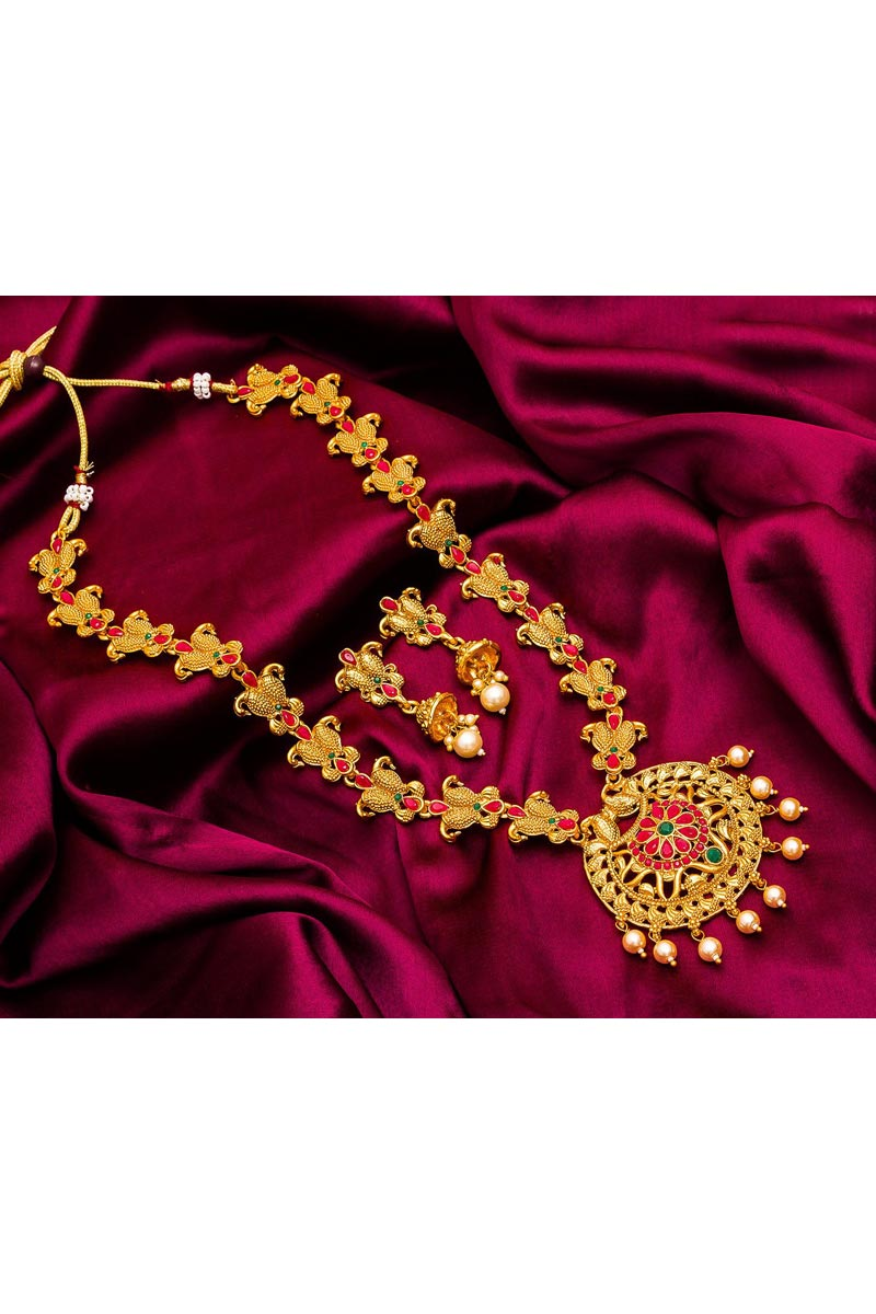 Golden Color Traditional Wear Glamorous Alloy Metal Necklace Set