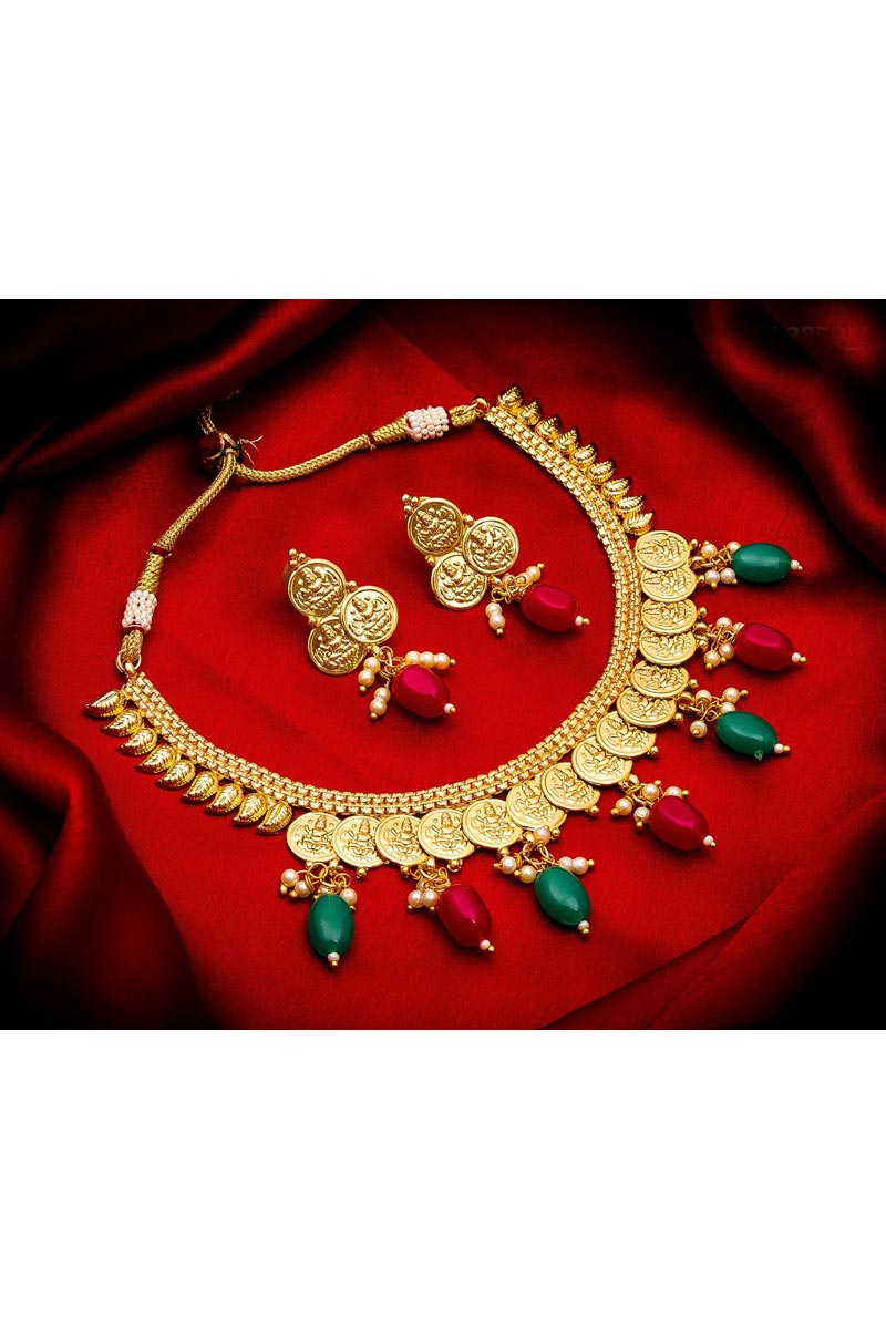 Beautiful Golden Color Traditional Wear Alloy Metal Necklace Set
