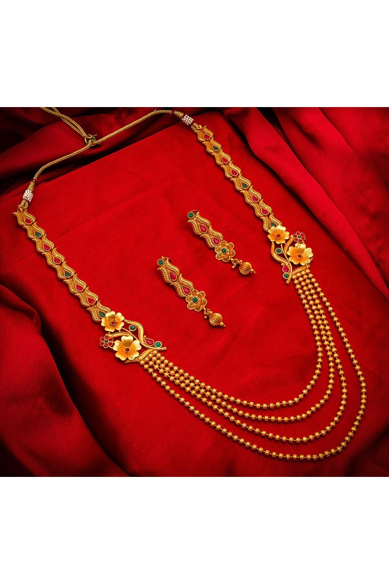 Traditional Wear Beautiful Alloy Metal Golden Color Necklace Set
