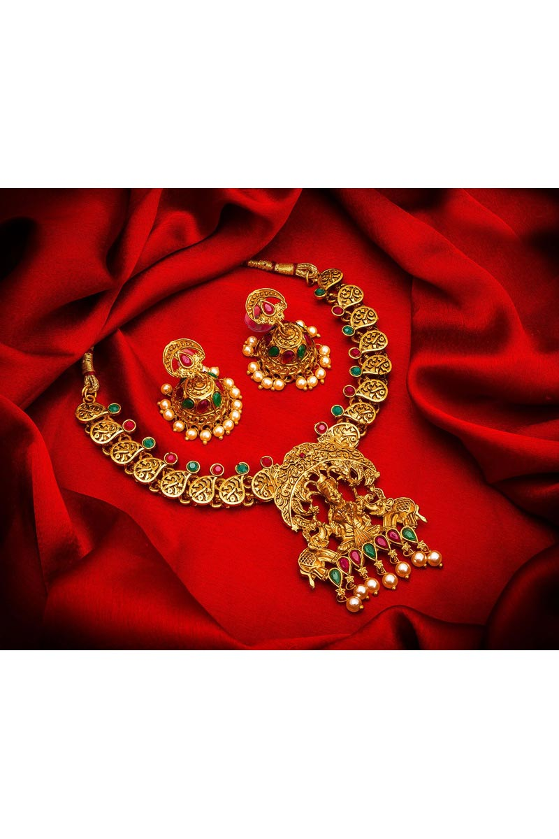 Golden Color Traditional Wear Gorgeous Alloy Metal Necklace Set