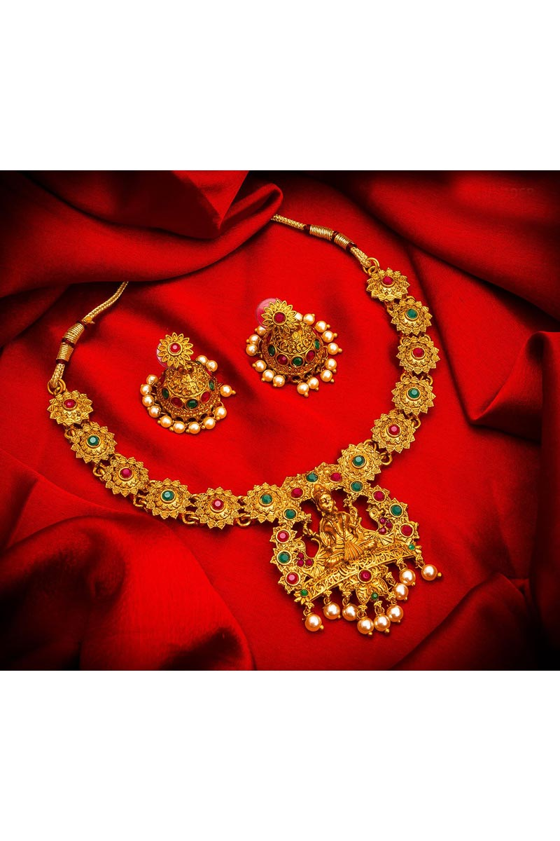 Alloy Metal Golden Color Traditional Wear Gorgeous Necklace Set