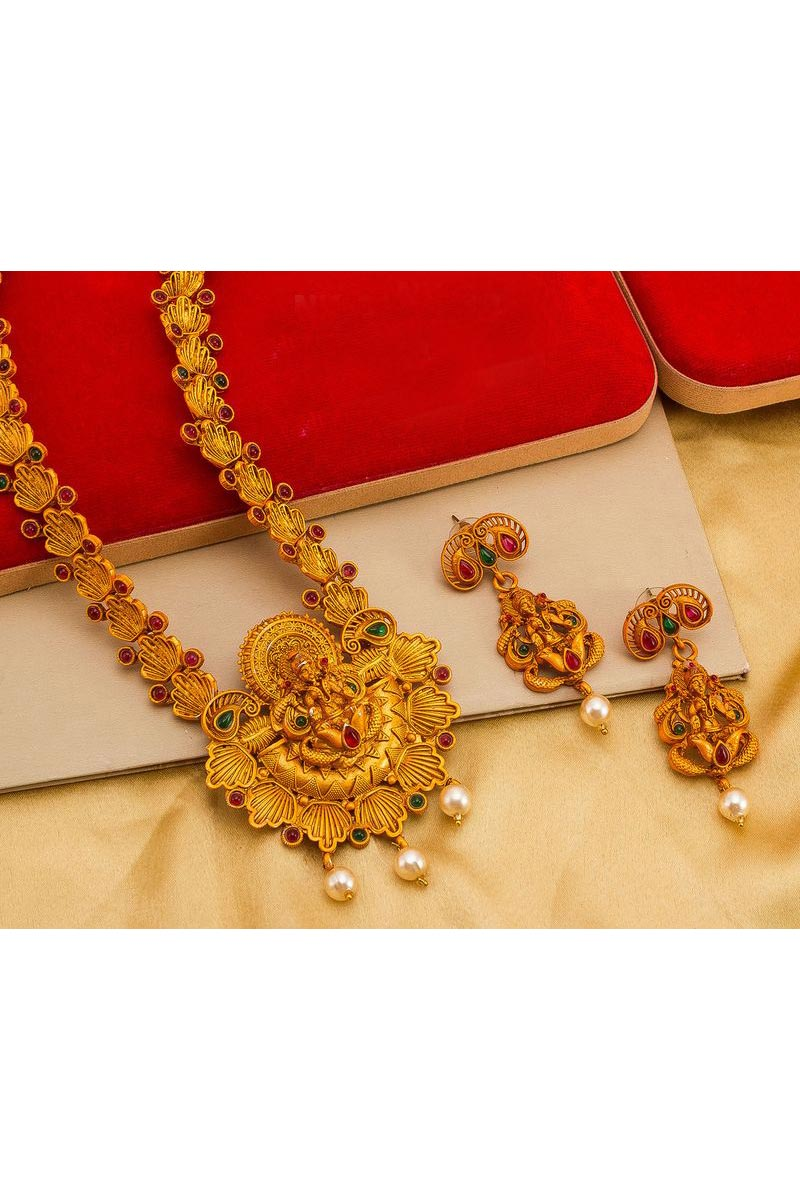 Alloy Metal Golden Color Traditional Wear Preety Necklace Set