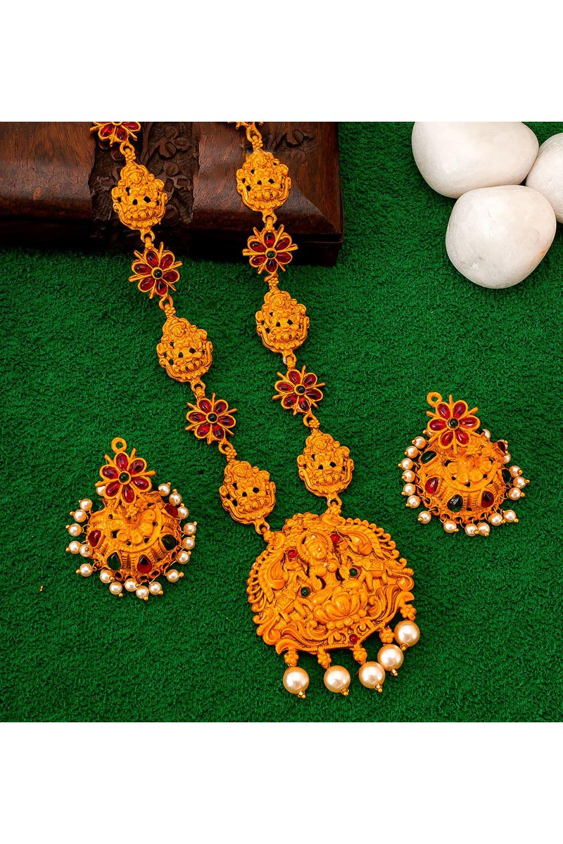 Trendy Puja Wear Golden Color Alloy Metal Necklace Set