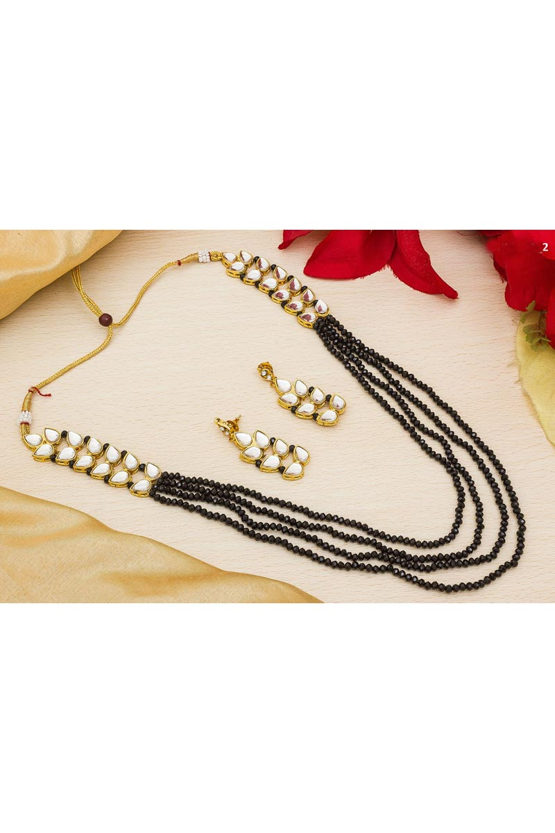 Stylish Black Color Festive Wear Alloy Metal Necklace Set