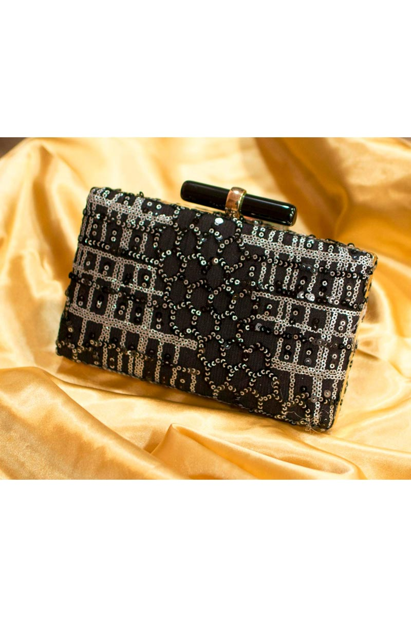 Womens Party Style Designer Clutch In Black Color