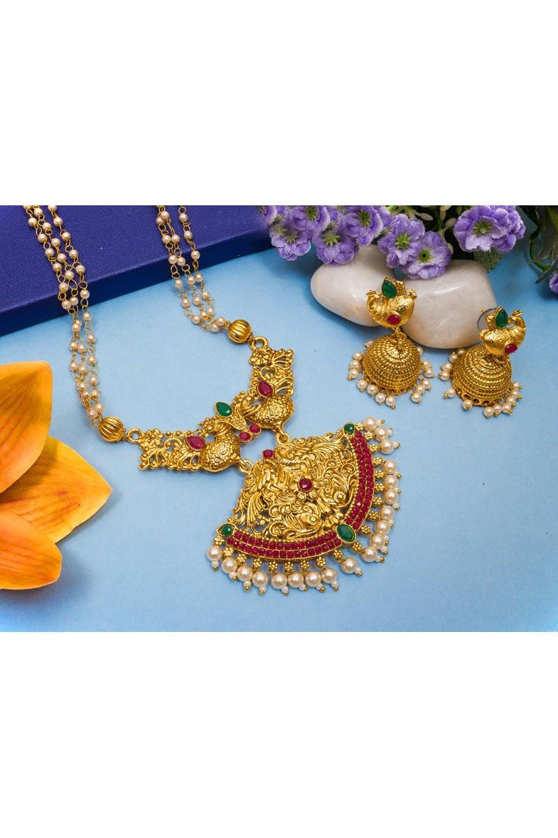 Golden Color Alloy Metal Festive Wear Beguiling Necklace Set