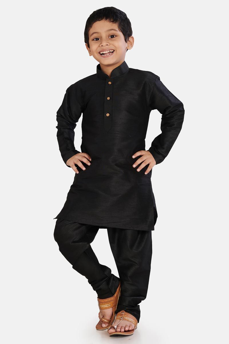 Sangeet Function Wear Black Color Kurta Pyjama For Boys