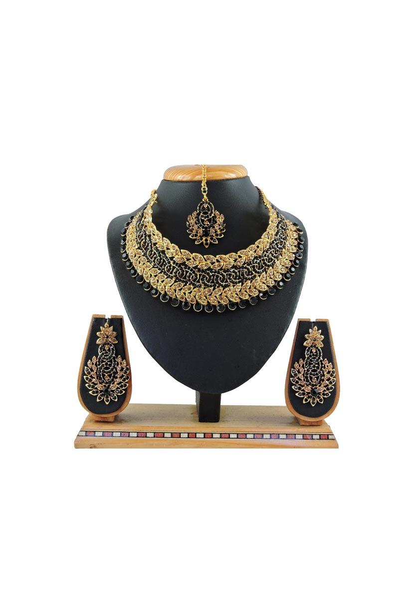 Black Color Bridal Wear Beguiling Alloy Metal Necklace Set