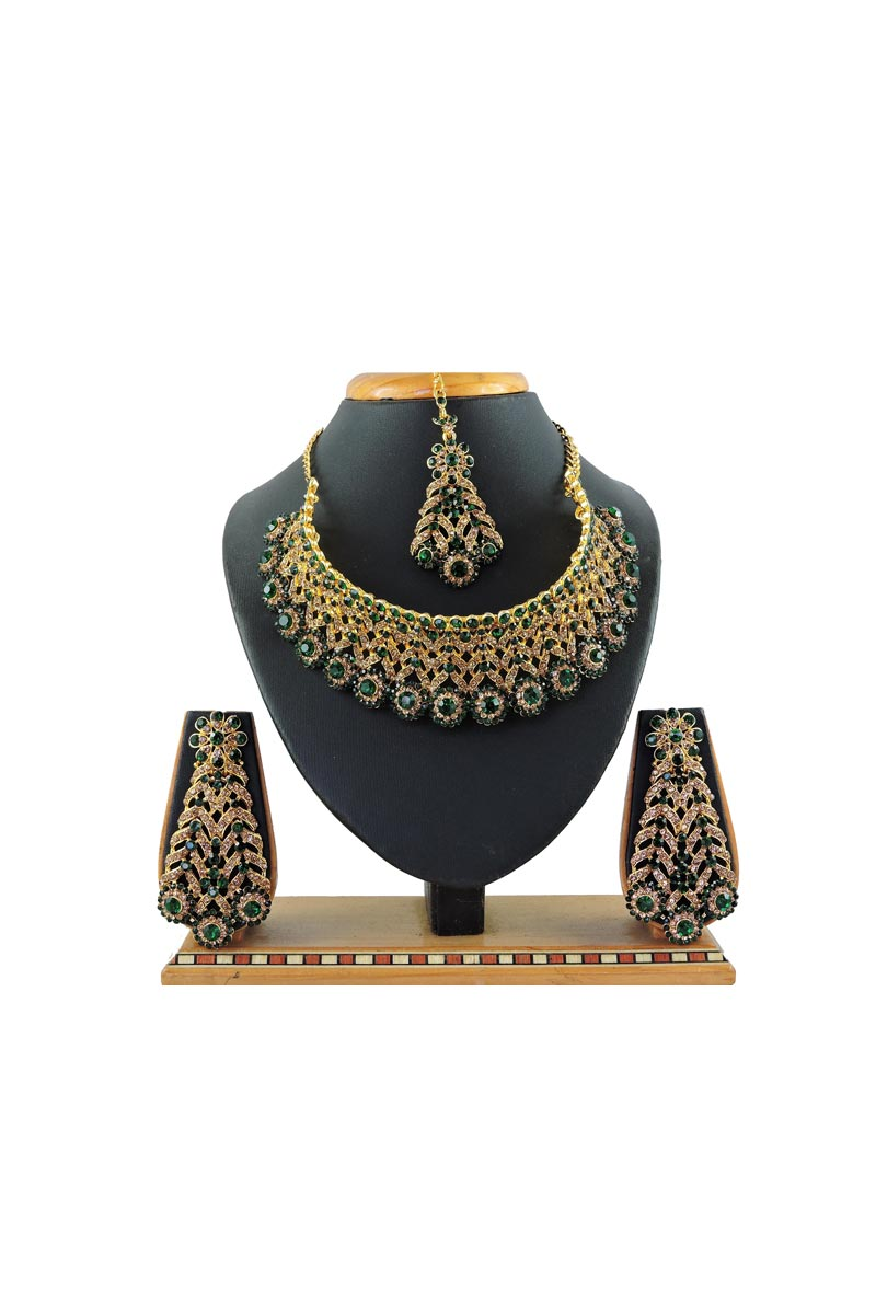Alloy Metal Bridal Wear Beguiling Green Color Necklace Set