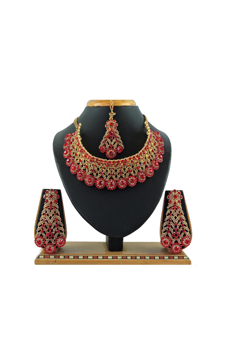 Beguiling Alloy Metal Bridal Wear Red Color Necklace Set