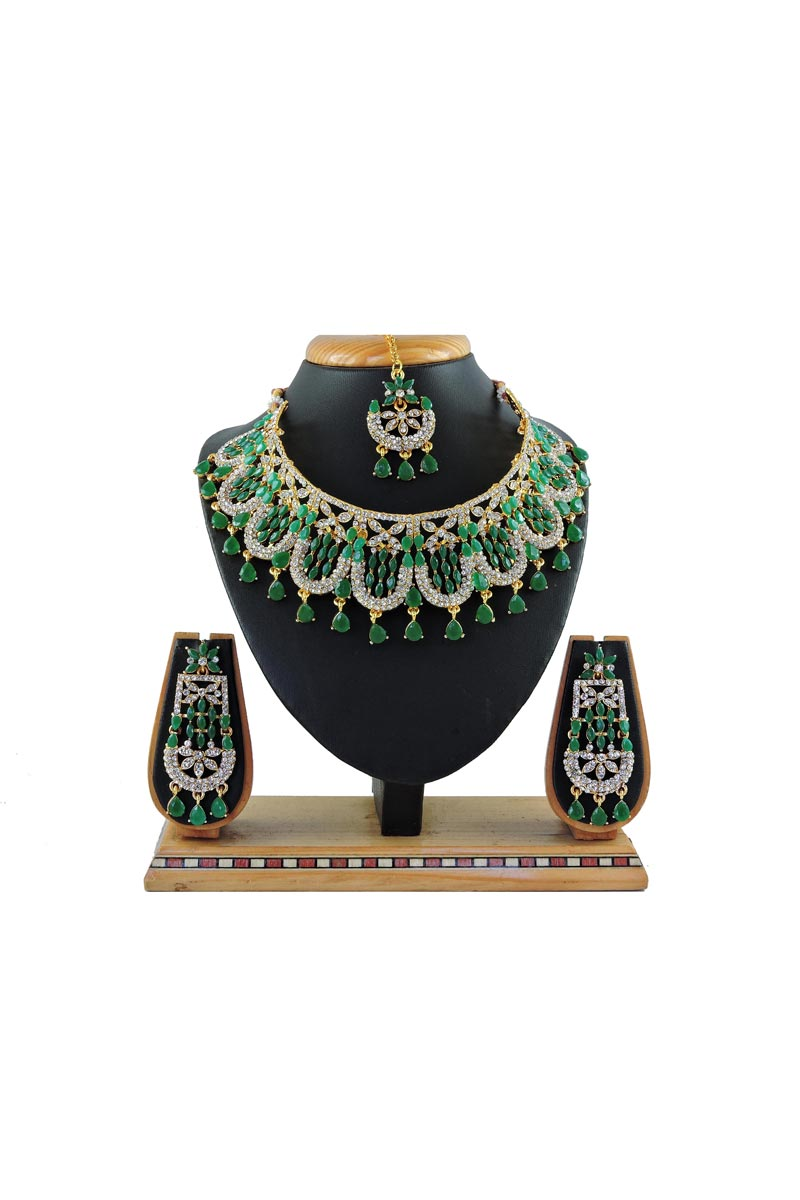 Green Color Alloy Metal Bridal Wear Classic Necklace Set
