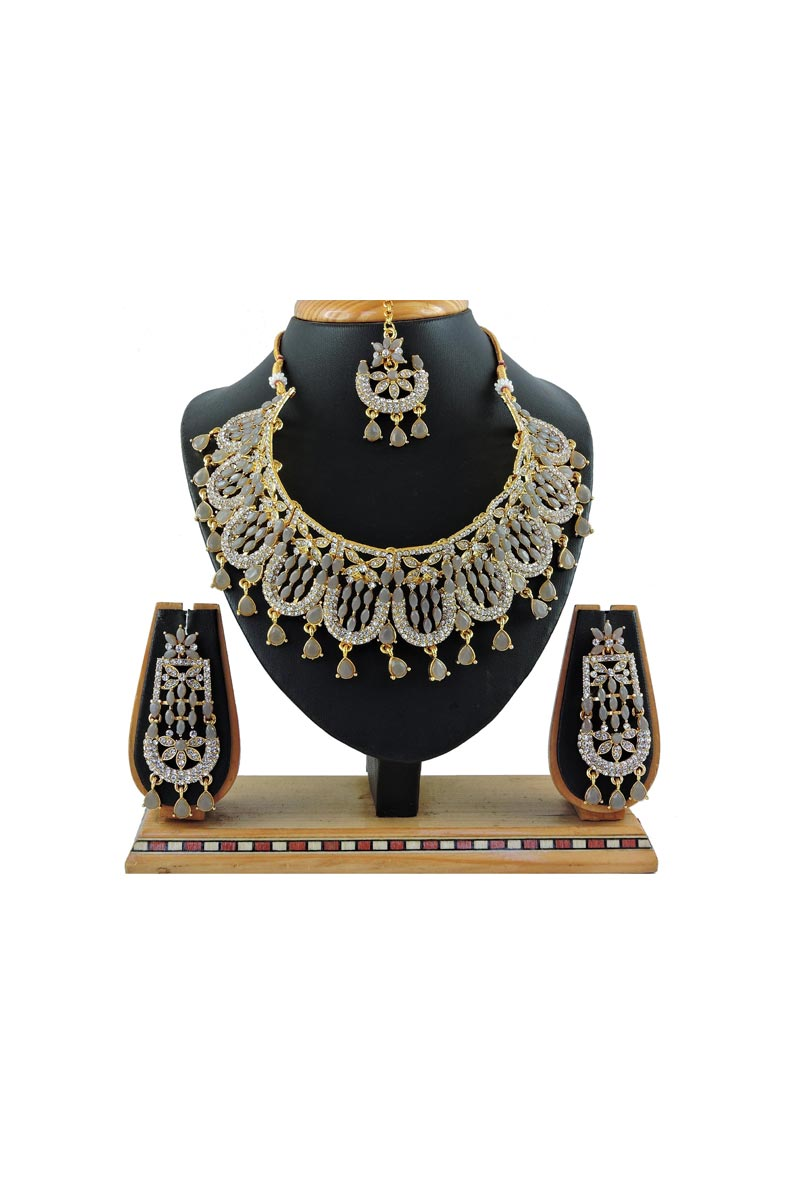 Bridal Wear Classic Grey Color Alloy Metal Necklace Set