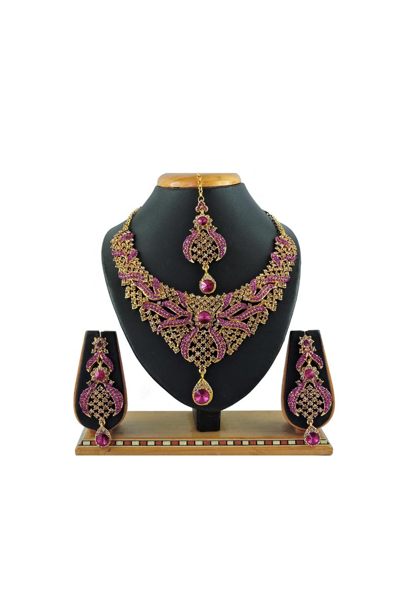 Alloy Metal Rani Color Wedding Wear Trendy Necklace Set