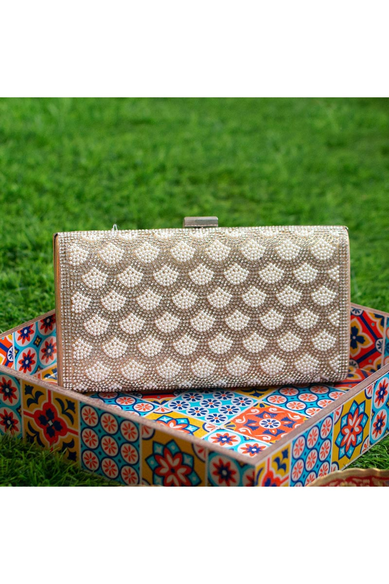 Chic Party Style Cream Clutch Bag For Women