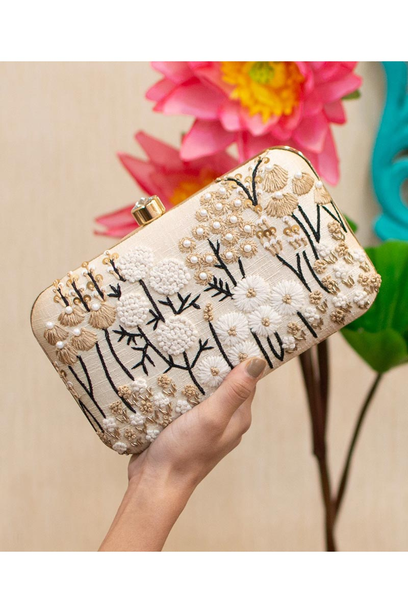 Trendy Party Style Clutch Bag For Women In Beige