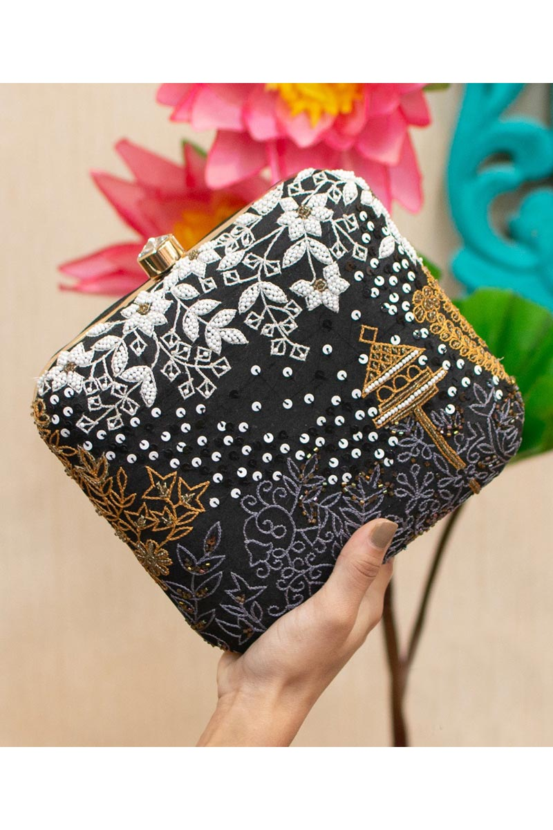 Alluring Party Style Black Color Clutch Bag For Women