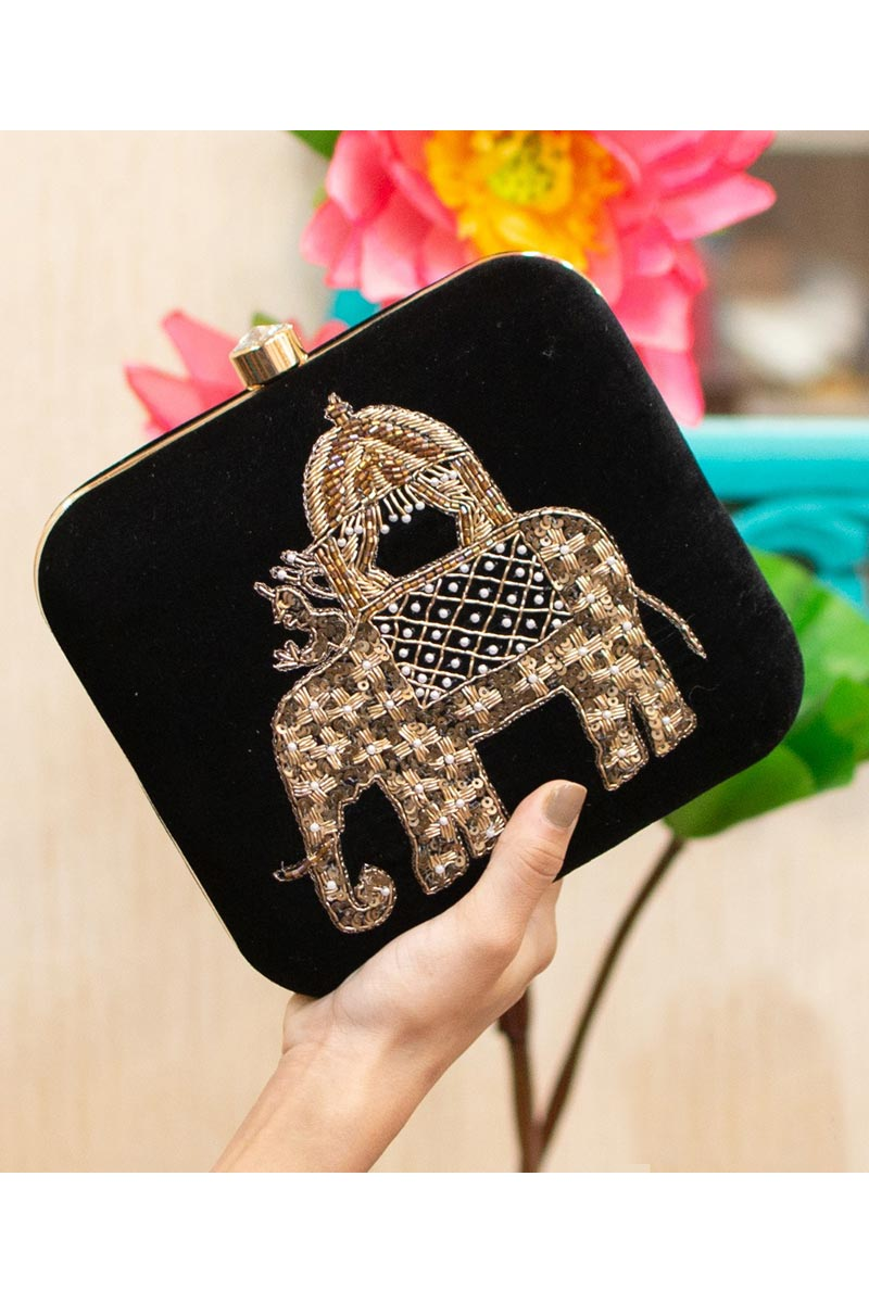 Womens Alluring Party Style Clutch Bag In Black Color