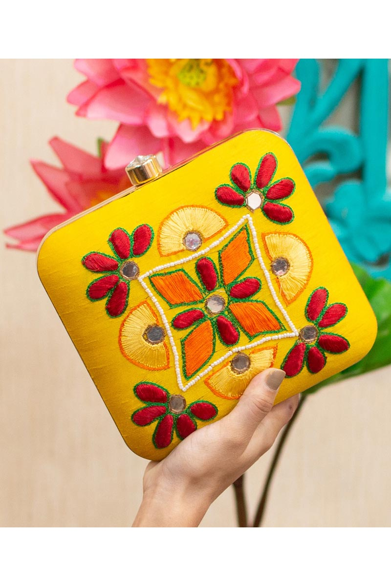 Alluring Party Style Clutch Bag For Women In Yellow Color