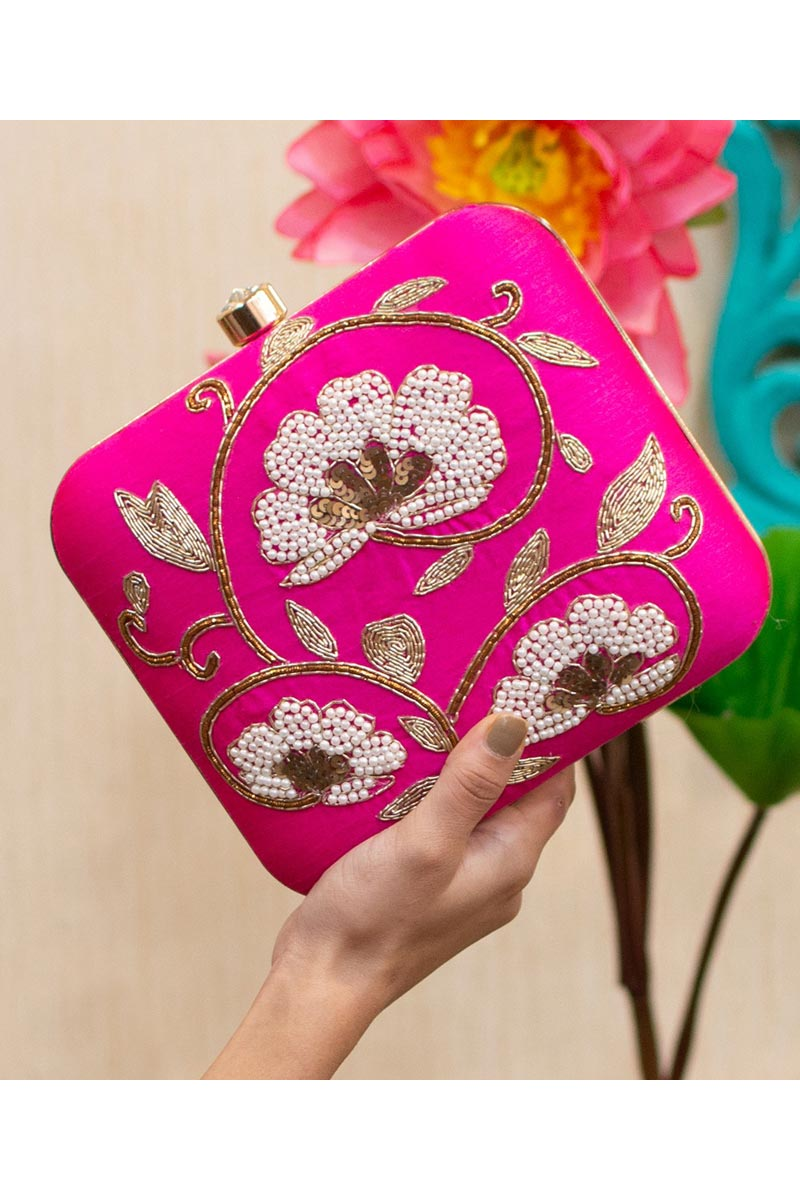 Womens Alluring Party Style Clutch Bag In Rani Color