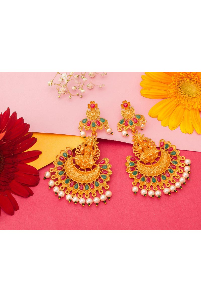 Alloy Metal Golden Color Sangeet Wear Stylish Gold Plated Earrings