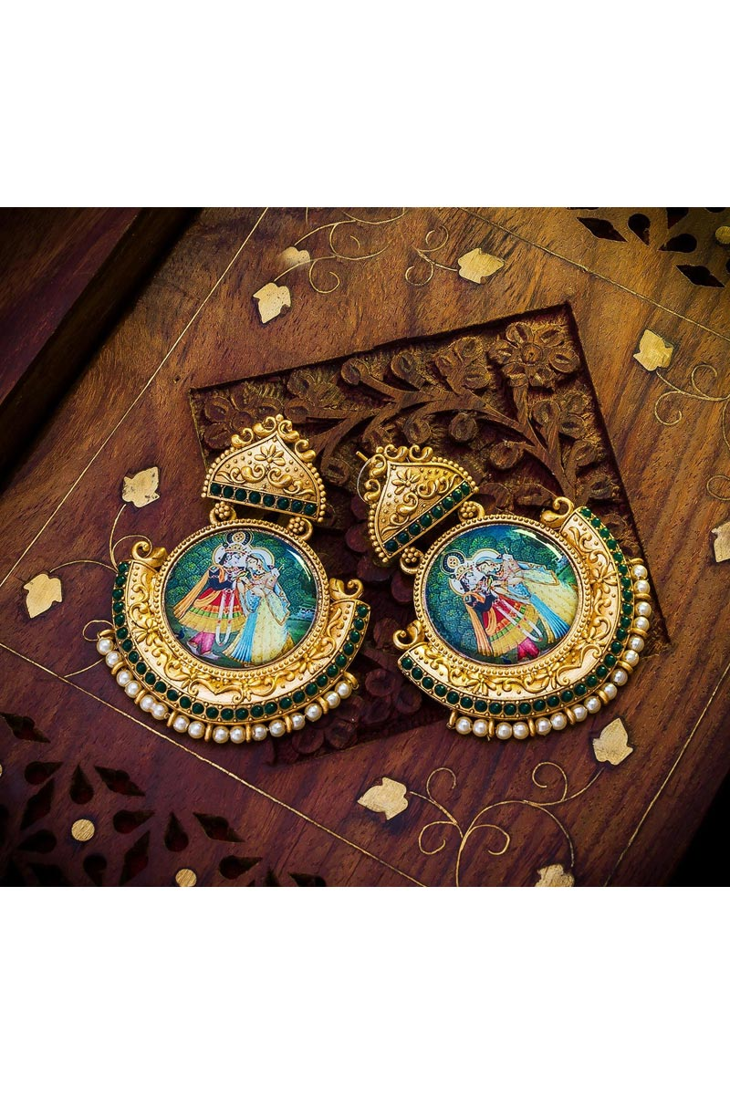 Golden Color Alloy Metal Fancy Wedding Wear Earrings