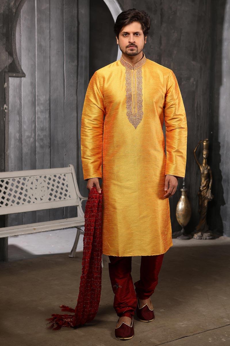 Sangeet Wear Kurta Pyjama In Yellow Color For Men