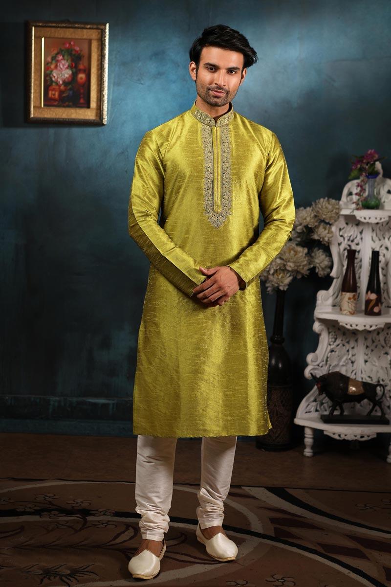 Sangeet Wear Kurta Pyjama In Mehendi Green Color For Men