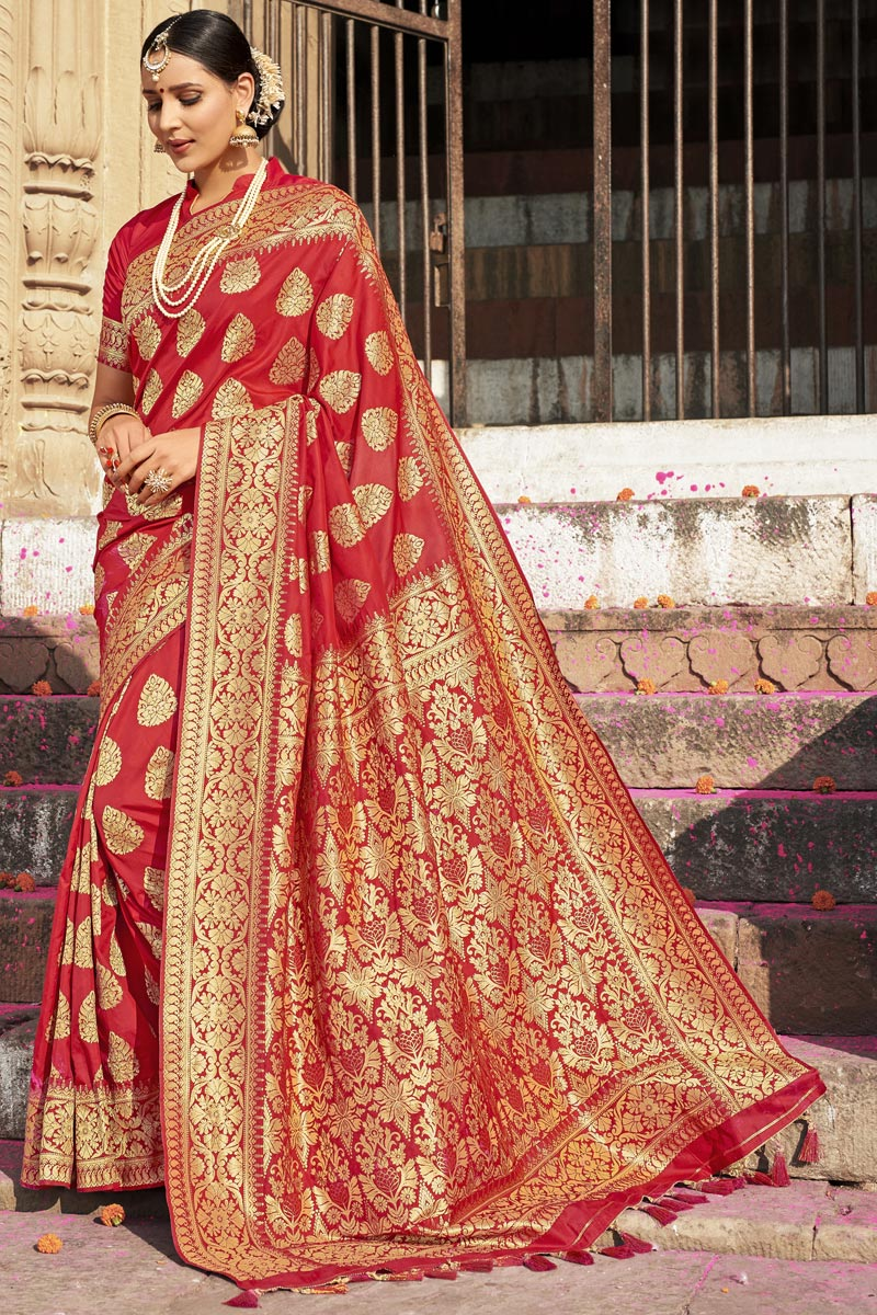Eid Special Silk Fabric Red Color Wedding Wear Weaving Work Designer Saree