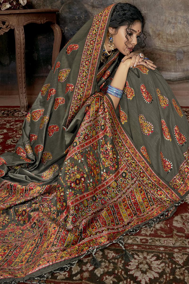 Festive Special Grey Color Silk Fabric Festive Wear Saree