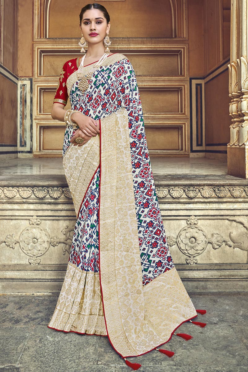 Traditional Wear Silk Fabric Designer Weaving Work Saree With Fancy Blouse In Off White