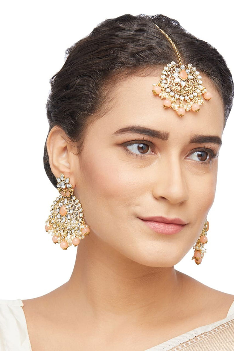 Cream Color Earrings With Maang Tikka In Alloy Metal