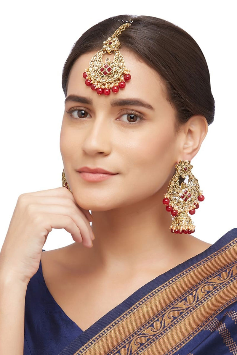 Artificial Alloy Material Fancy Red Color Earrings With Maang Tikka