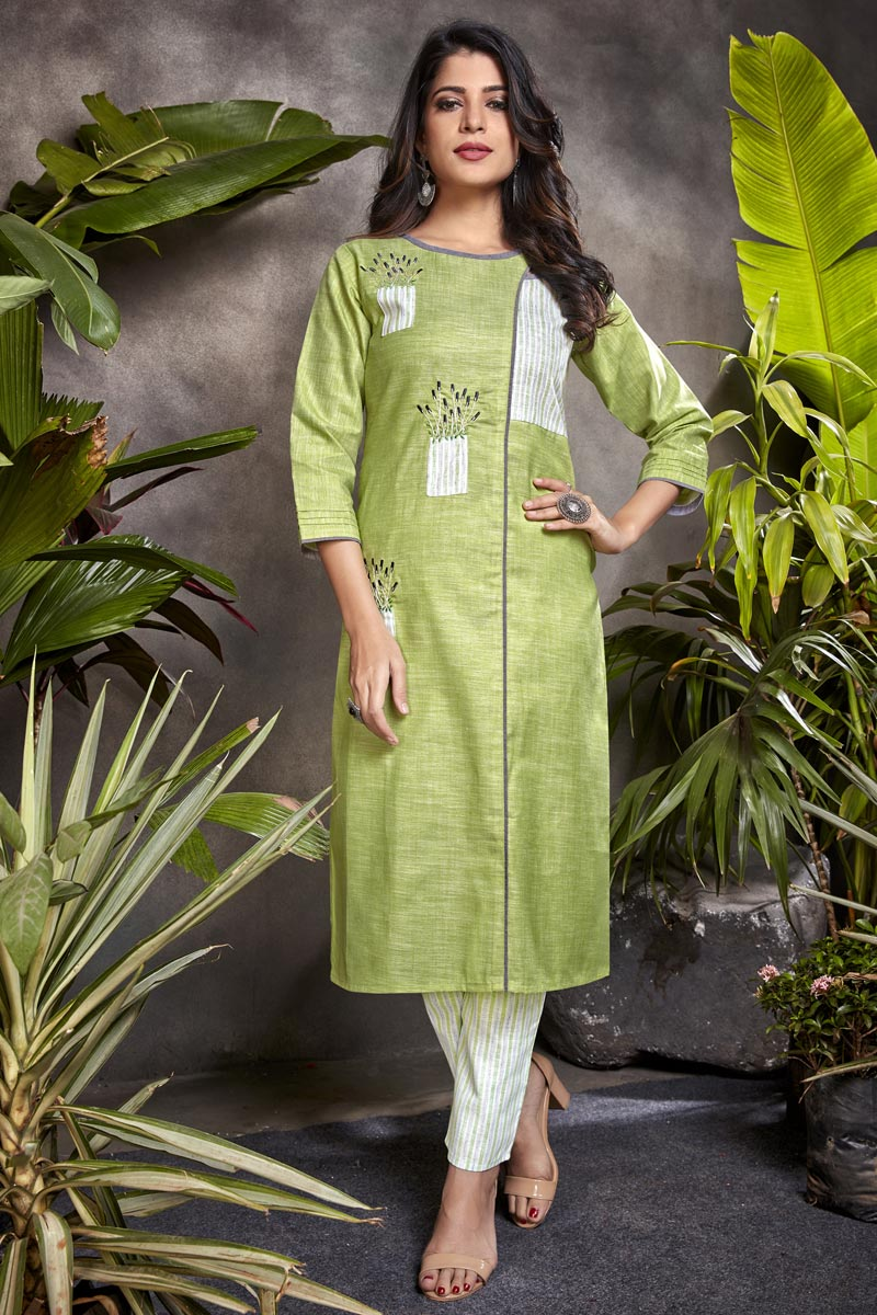Green Color Casual Wear Stylish Cotton Fabric Kurti