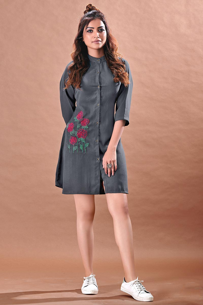 Chinon Fabric Fancy Cocktail Party Kurti In Grey Color