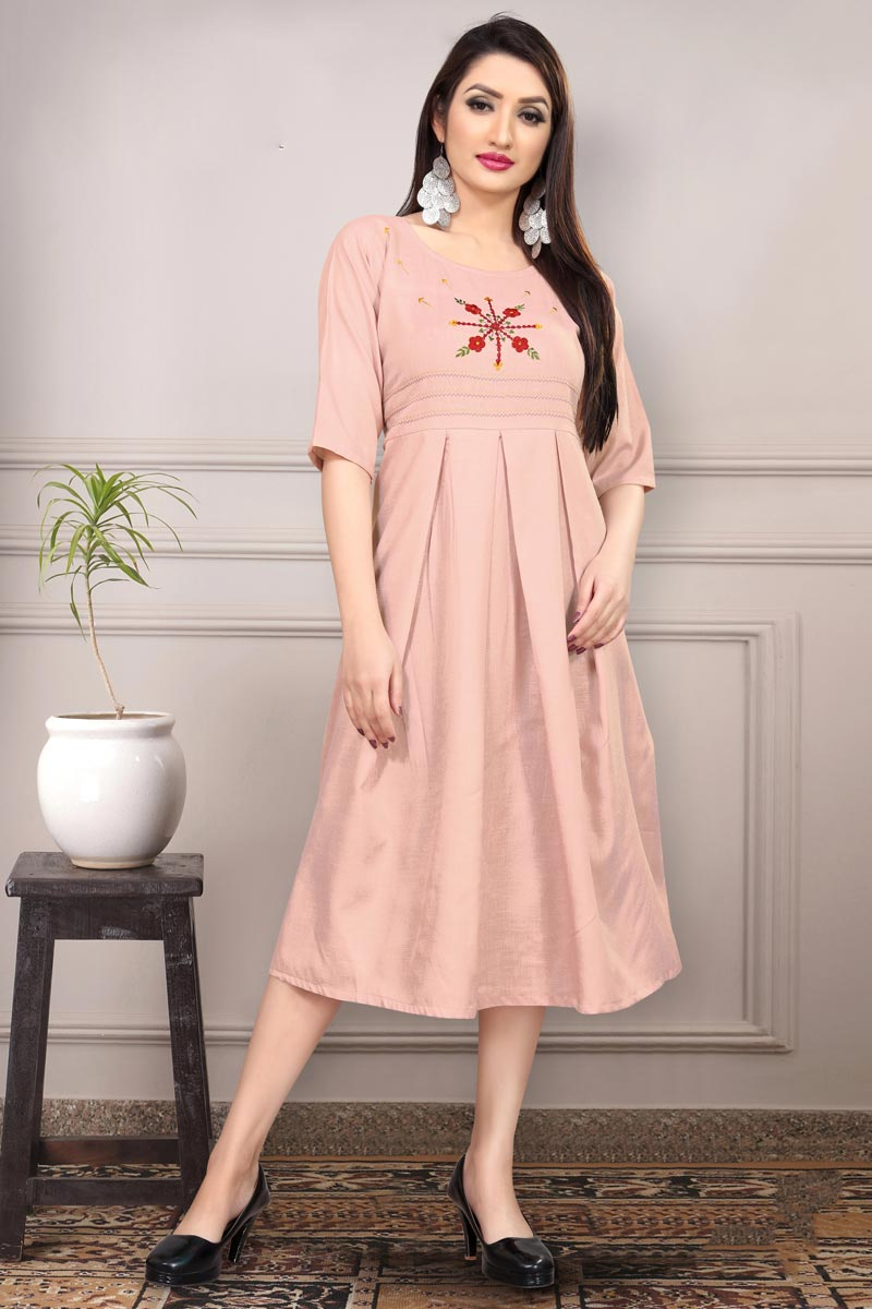 Cotton Fabric Casual Wear Fancy Peach Color Thread Embroidered Kurti